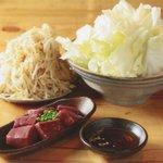 亀戸ホルモン - 塩キャベツ、もやしナムル