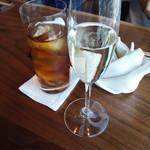 蒼天 - ウーロン茶とスパークリングワイン