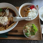 旬菜らーめん ひと葉 - 料理写真:Cset しょうゆらーめん+餃子3個+ミニカレー 1,160円