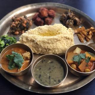 現地人シェフが作る本場のネパール家庭料理