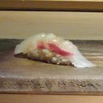 菊鮨 - ◆鯛(玄海)・・ ねっとり感があり美味。