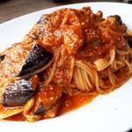 Enoteca e Maiale REGUS - カラマリと茄子のトマトソース✨✨美味しそう
