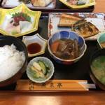 郷土風味 魚来亭 - 料理写真:特上日替わり