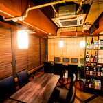 日本酒原価居酒屋 黒兵衛 - 内観写真: