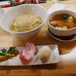 くろ松 - 特級 白醤油つけ麺