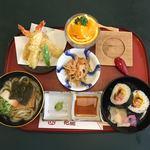 花鹿 - 料理写真:お昼御膳 ¥1200→¥880 これに茶碗蒸しが付きます