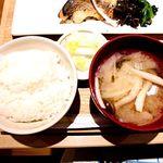 さち福やCAFE - 白ご飯、香の物、お味噌汁