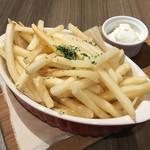 Cheese Meets Meat - フレンチフライ(580円)