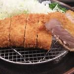 84454062 - お肉がほんのりピンク色で美味しそう!