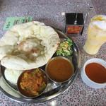 インド料理 Vicky - 料理写真:ランチBセット、ドリンク(2018/04/19撮影)