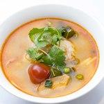 海老のスパイシー&サワースープ