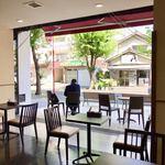 しの笛茶房 - オープンエアの店内