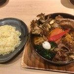スープカレーガラク - ジンギスカンと5種のきのこの森+角煮