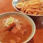 タカンタ食堂 - 濃厚魚介豚骨つけ麺  〜王道の濃厚な魚介豚骨スープに特注極太麺!ごろごろ入った柔らかチャーシューも絶品!