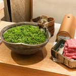 日本料理 太月 - 鳥と鴨でとった出汁と花山椒、牛鍋