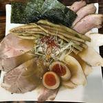 Menyahiro - 料理写真:鶏塩そば750円特製裕盛り350円