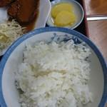 うどん深川 - ご飯と沢庵❗