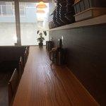 武蔵野うどん 武久 - 美しい木目のカウンター