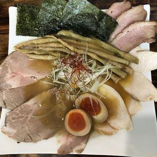 麺屋 裕 - 料理写真:鶏塩そば750円特製裕盛り350円