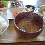 元気モリモリ - 刺身定食(980円)