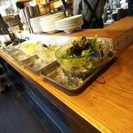 84472103 - サラダ食台
