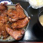 さくら亭 - ぶた丼 肉盛り 1000円