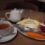 菓子工房 Pao de lo - 紅茶とミュウとわらびゼリー(ベリー)