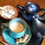 和カフェ 織部 - ドリンク写真:ミルクとまぜるカフェオレ