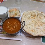 パキスタン・アラビアン・インド料理 デラ - ビーフカリー・チーズナンセット