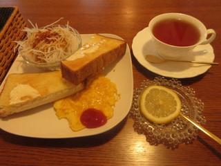 カフェ シュ シュ - モーニング トーストセット 450円 (2018.4)