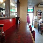 盛岡食堂 - 厨房と店内