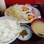 盛岡食堂 - ハムエッグ定食450円