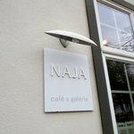 cafe & galerie NAJA  -