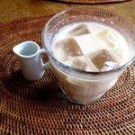 cafe & galerie NAJA  - アイスロイヤルミルクティー!
