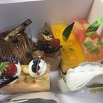 PATISSERIE LA CLOCHETTE - 料理写真:お買い上げしたケーキ達♪