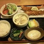 素材蔵 福吉 - エビフライ定食
