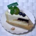 プティ・パトラン洋菓子店 - ブルーベリーのレアチーズ