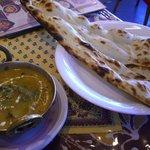 RAJU - カレーセット(インドの手作りチーズとナスのカレー)