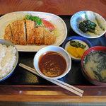 うま亭 - 料理写真:トンカツ定食