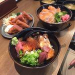 84500498 - 厚切りハムカツ、上海鮮丼、サーモン丼