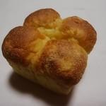 プルミエ サンジェルマン - スイートコーンのちぎりパン