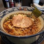 麺屋 黒船 - 料理写真:醤油麺