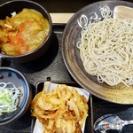 84502424 - 朝ごはんのカレー丼セット360円とかき揚げ120円
