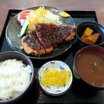 三福 - みそかつ定食 1000円