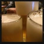 84508101 - ビールで乾杯〜!