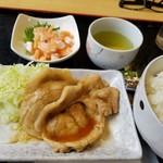 うるとら食堂 - 料理写真:豚ロース生姜焼き&サーモン切り落し&ご飯大(税別147+157+117円 イベント価格です)