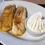 ナギー・カフェベーカリー    - 料理写真:フレンチトースト たっぷりの甘さ