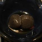 庄や - 煮物(蒟蒻2切)