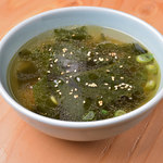 大衆 焼き肉ホルモン 大松 - わかめスープ