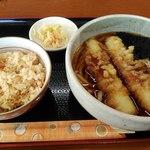 茂利多屋 - 料理写真:ちくわ天うどん400円と鮭ごはんセット190円